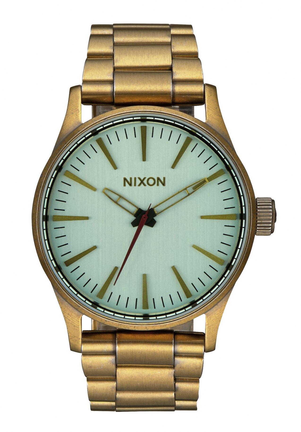 Nixon The Sentry 38 SS All Brass / Green Crystal